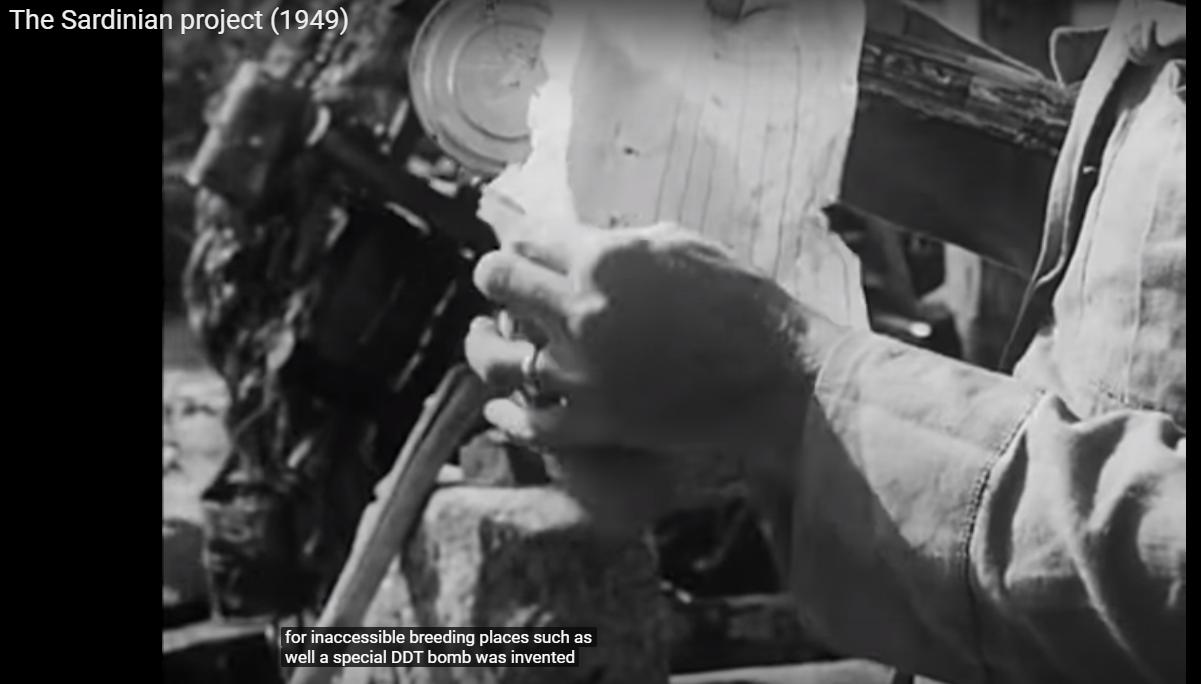 Malaria - The Sardinian Project (007) - bombe speciali di DDT per i pozzi